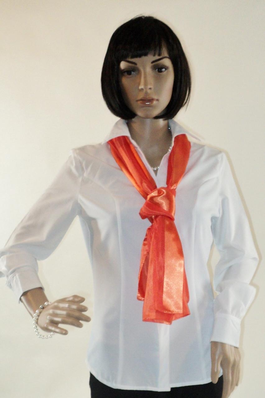 Zarina_White_Front_scarf5.jpg