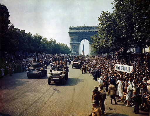 Episode 1 - Paris 1944.jpg