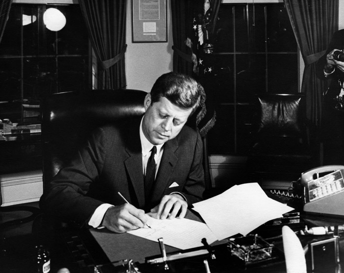 Episode 4 - October_23,_1962-_President_Kennedy_signs_Proclamation_3504,_authorizing_the_naval_quarantine_of_Cuba.jpg
