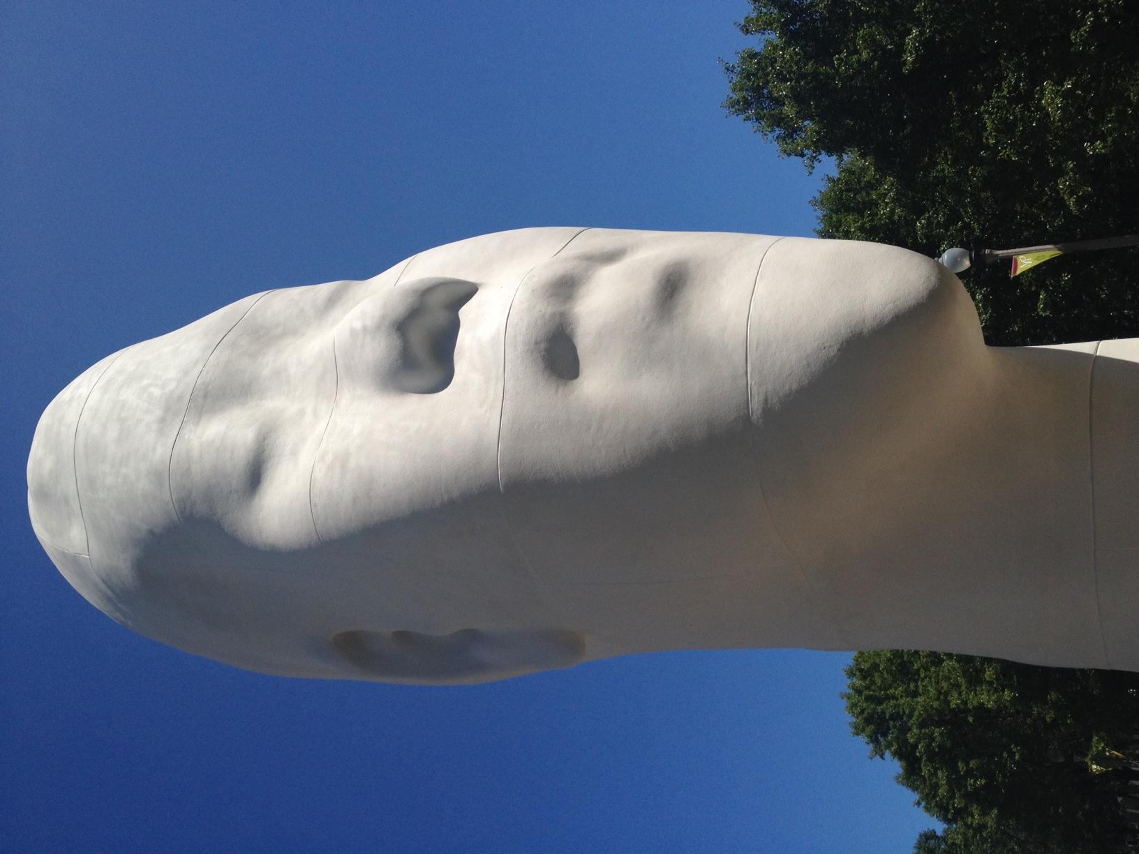 Public Art // PLEASE FIND THE NAME