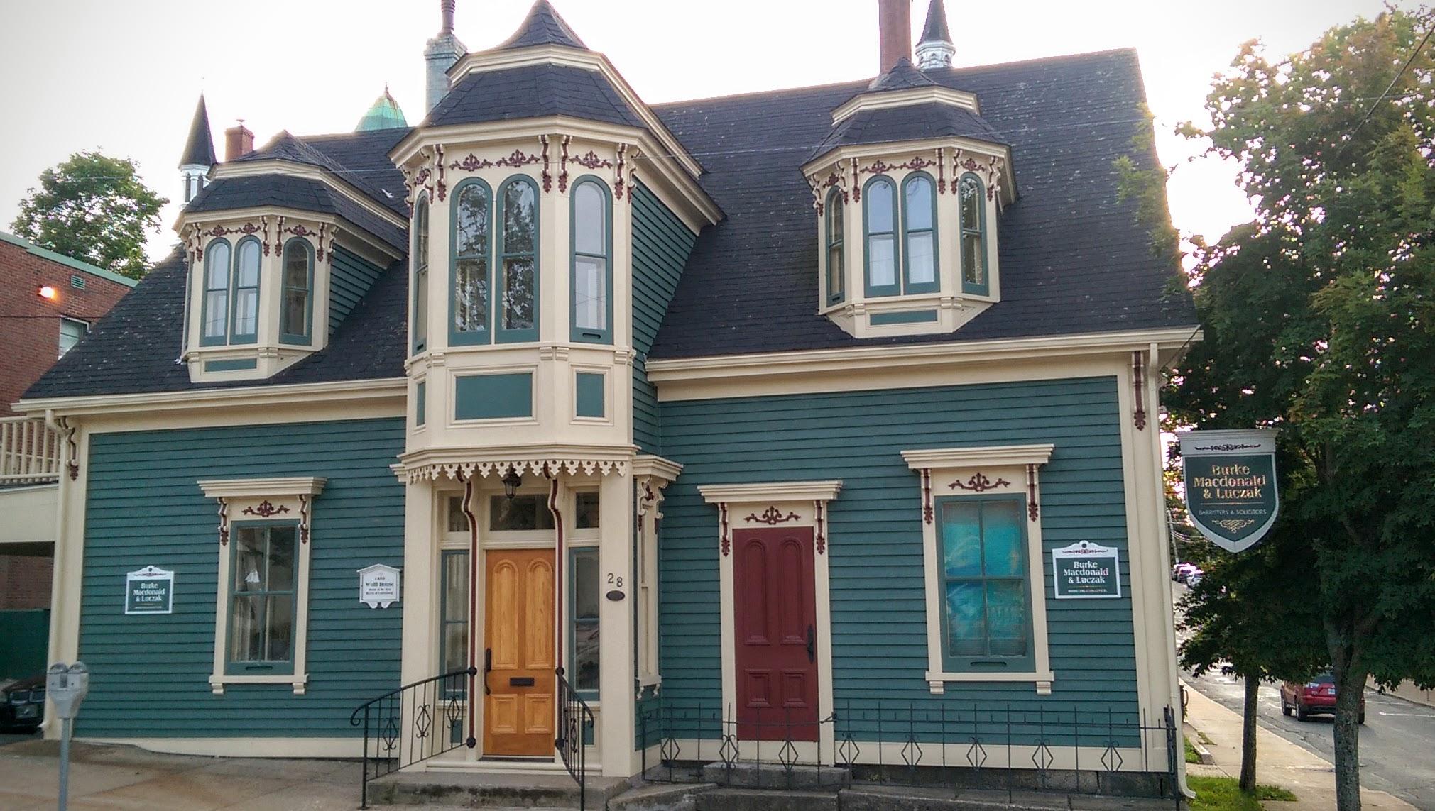 Wolff_House,_Lunenburg,_Nova_Scotia_01.jpg