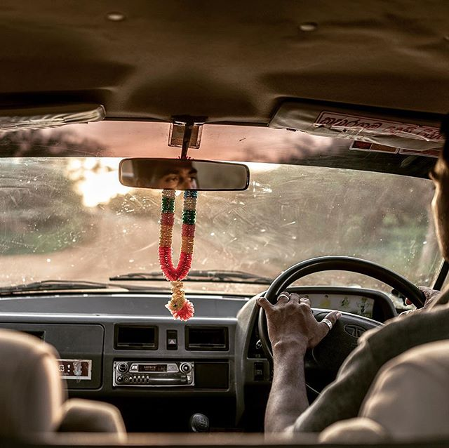 #oldschool #srilanka #india #surftrip #surftravel #thesearch #offroad #offgrid #indianocean #roadtrip #2015 #neverstopexploring #photography #travelphotography #art #artdirection #design #fotoroomopen #hindu #asia #buddism #sonyrx1 #driver #rearviewmirror #kommtgut