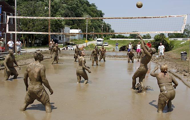 mud volleyball.jpeg