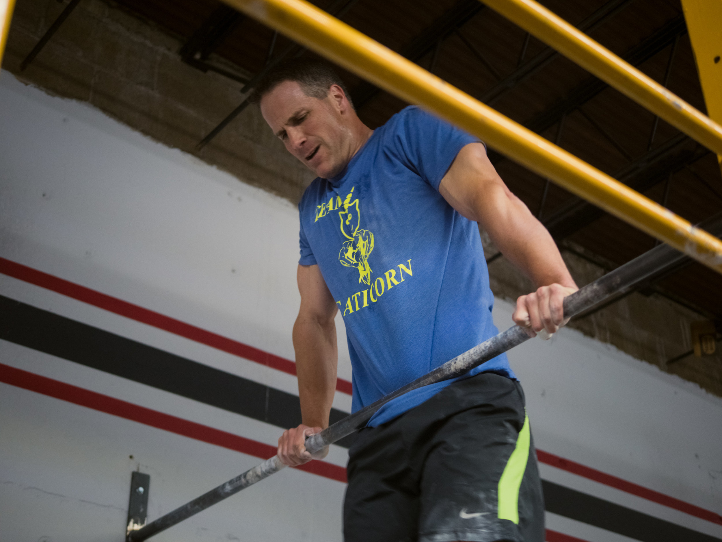 Steve doing some awesome bar muscle ups in 17.2