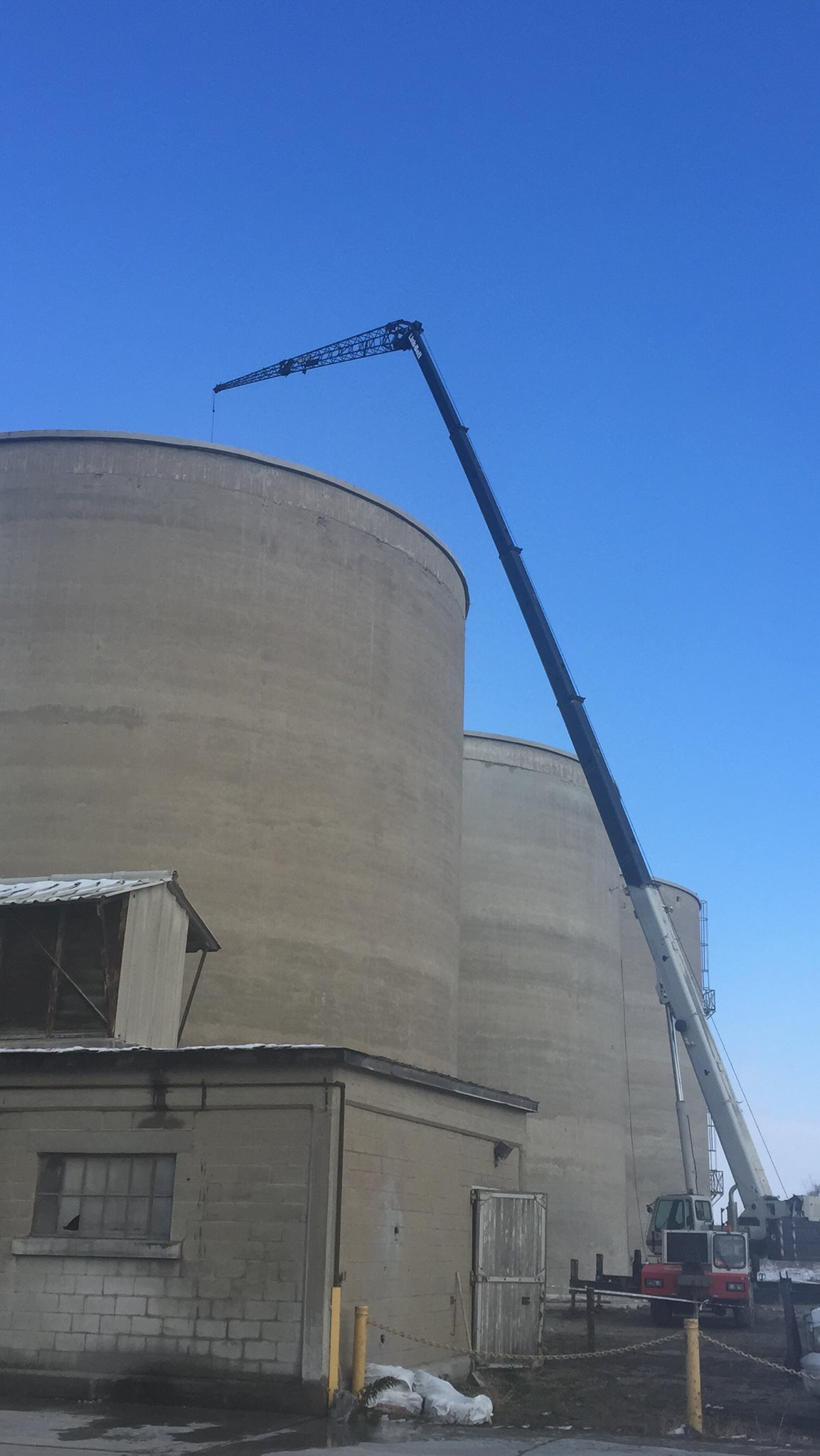 Mobile crane does millwright work