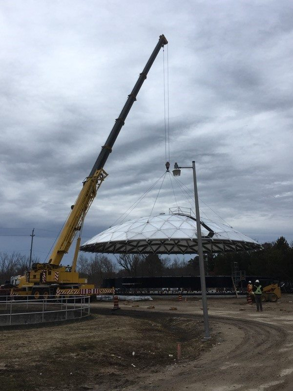 165 ton hoists a dome in Hanover, ON