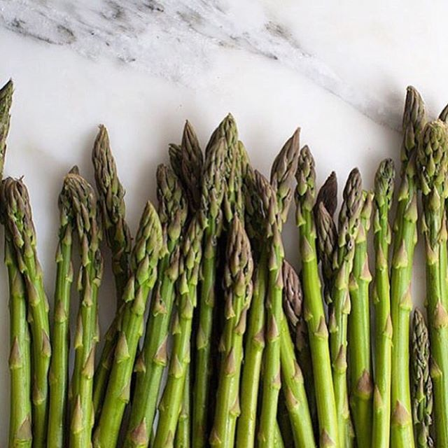 Asparagus is looking amazing at the moment and tasting super sweet. This lot is bound for a spring pea and asparagus salad for today's wedding. #studioneon #studioneonevents #catering #asparagus