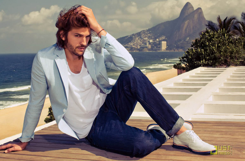 Regata Masculina_com blazer_Ashton-Kutcher-Colcci