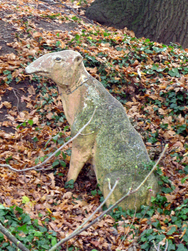 Statue of an Anoplotherium