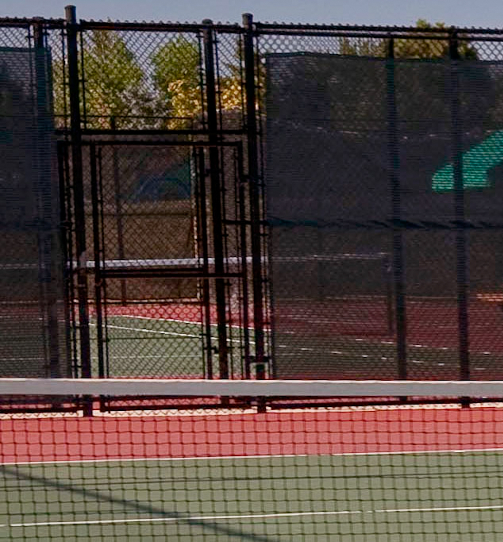 The tennis courts at    Utah Park    are ADA compliant with direct access to courts,