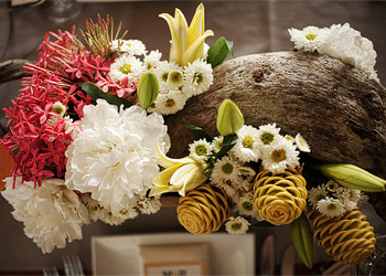 Kirsten's obsession with flowers and attention to detail results in gorgeous artful floral design.
