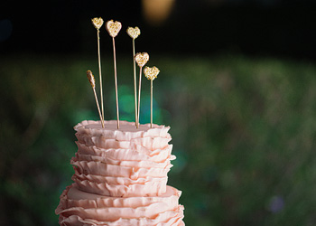 Wedding cakes , wedding cupcakes and dessert tables.