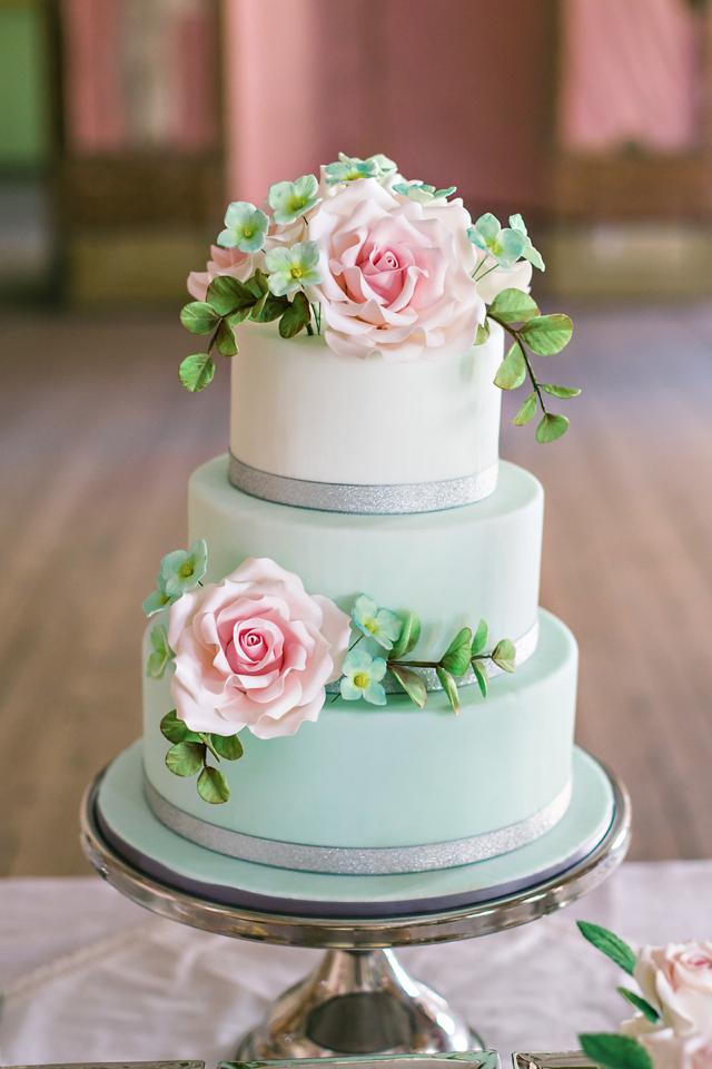 sea-foam-wedding-cake.jpg