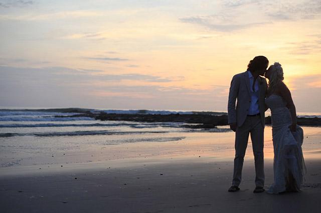 costa-rica-wedding-jennifer-harter-malpais-wedding-18.jpg
