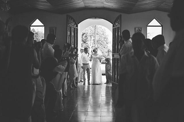 costa-rica-wedding-ale-sura-canas-wedding-06b.jpg