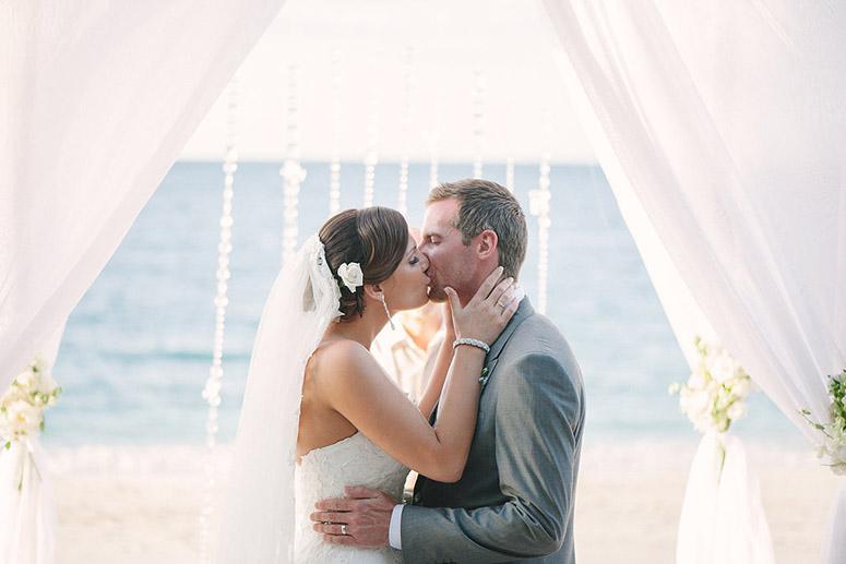costa-rica-wedding-comfort-studio-reserva-conchal-wedding-15.jpg