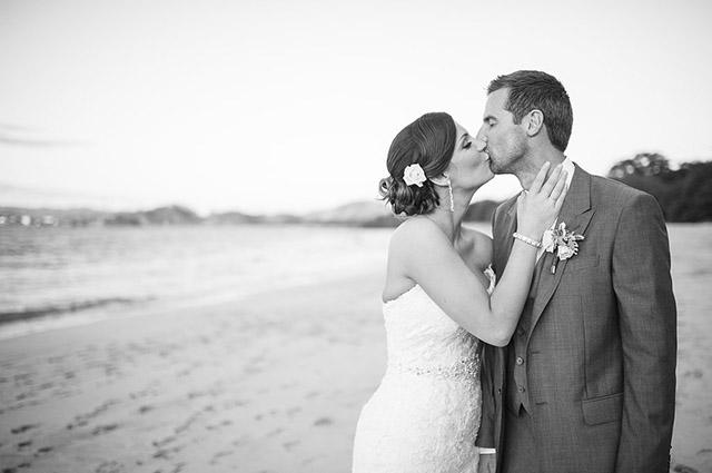 costa-rica-wedding-comfort-studio-reserva-conchal-wedding-19.jpg