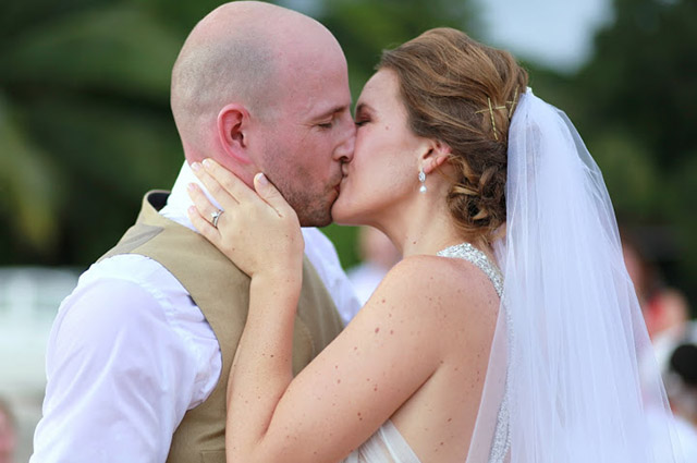 real-costa-rica-wedding-jennifer-harter-manuel-antonio-wedding-12.jpg