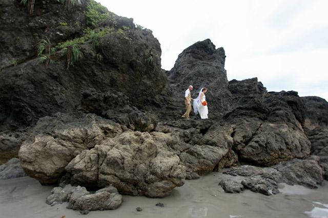 real-costa-rica-wedding-jennifer-harter-manuel-antonio-wedding-20b.jpg