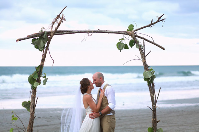 real-costa-rica-wedding-jennifer-harter-manuel-antonio-wedding-21.jpg