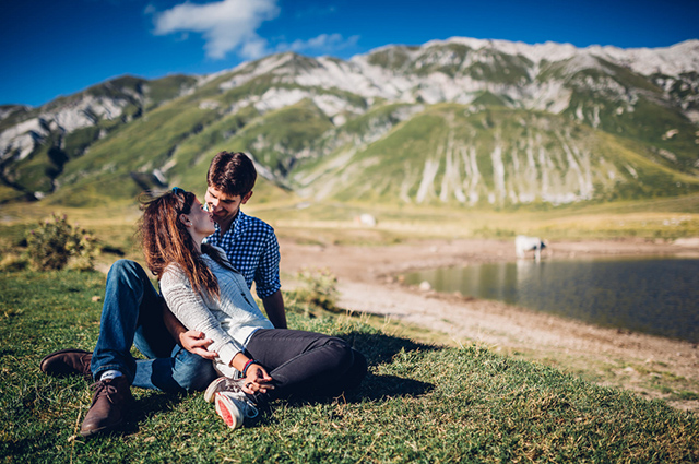 abruzzo-italy-engagement-session-wedding-reporter-04.jpg