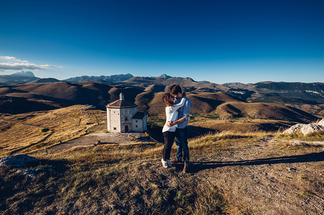 abruzzo-italy-engagement-session-wedding-reporter-09.jpg