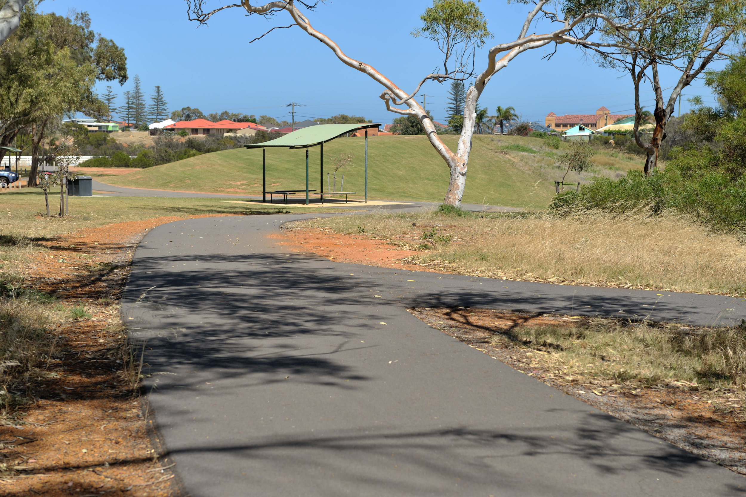 New shared cycle paths along the NWCH will connect to existing paths in the Chapman River Regional Park.