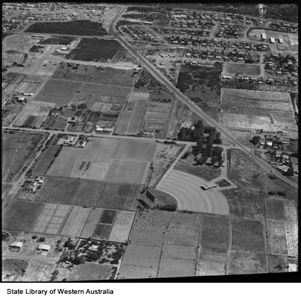 Ozone Drive-In located on the south-east corner of Blencowe and Utakarra Roads. (Photo courtesy of the State Library of Western Australia)
