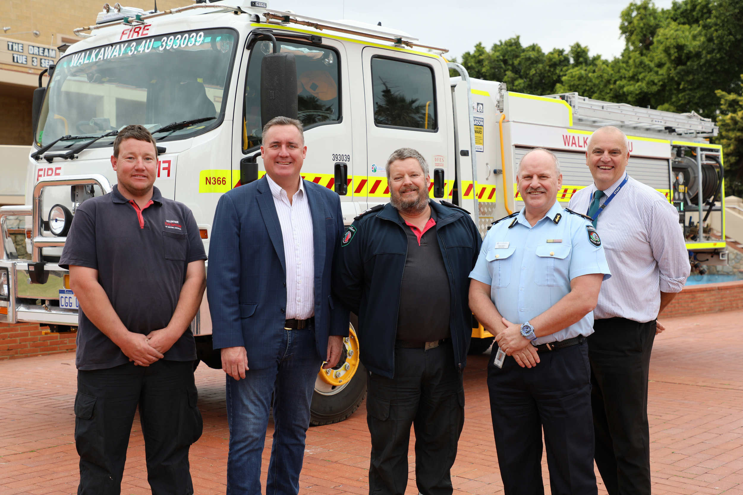 Walkaway Brigade Captain Brendan McCann, Mayor Shane Van Styn, the City's Emergency Operations Officer Murray Smith, DFES Superintendent Craig Smith and City CEO Ross McKim.