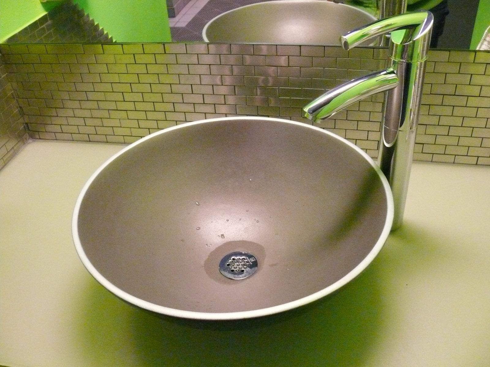 Men's Sink.jpg