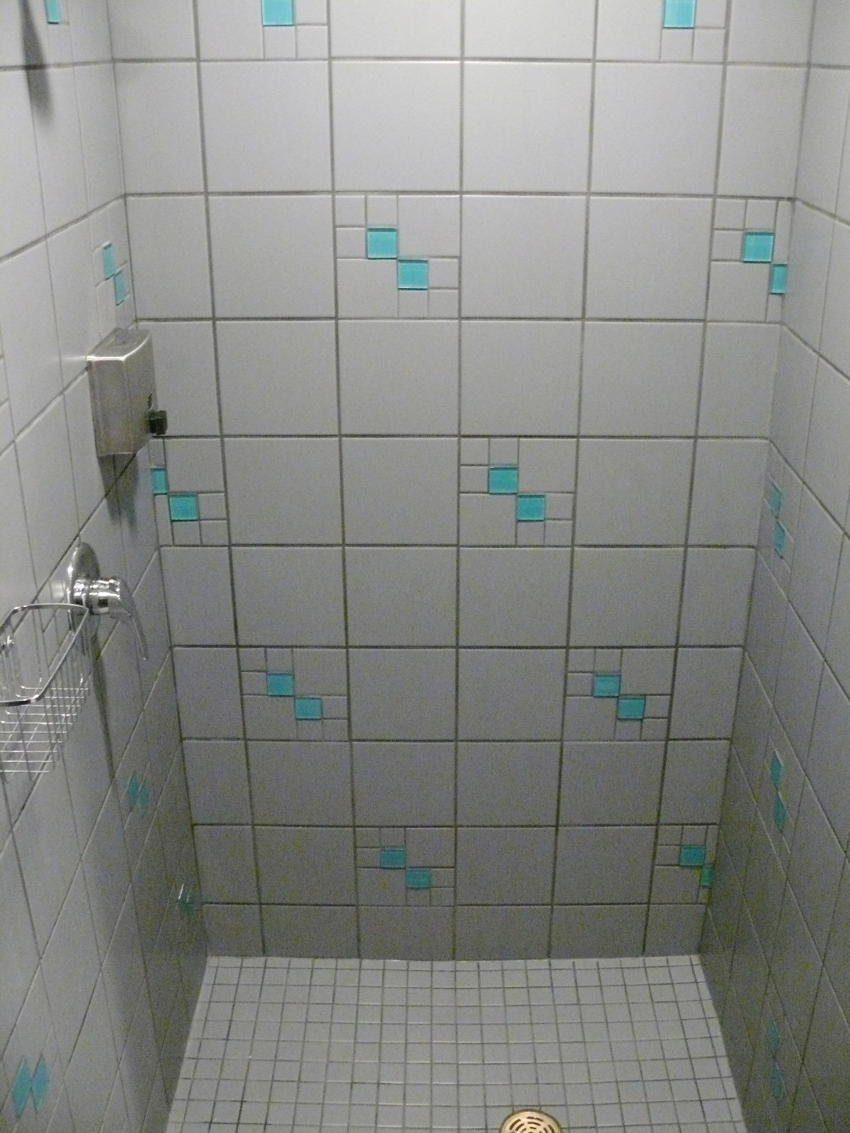 Men's Aqua Shower.jpg