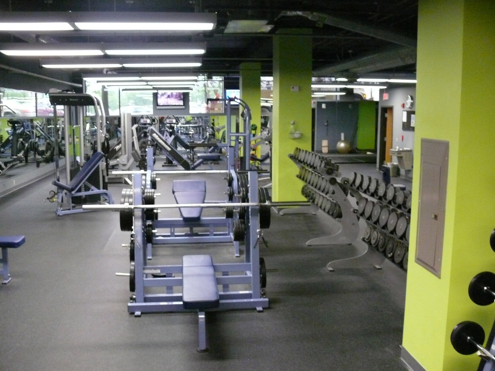 Weight Room 1.jpg