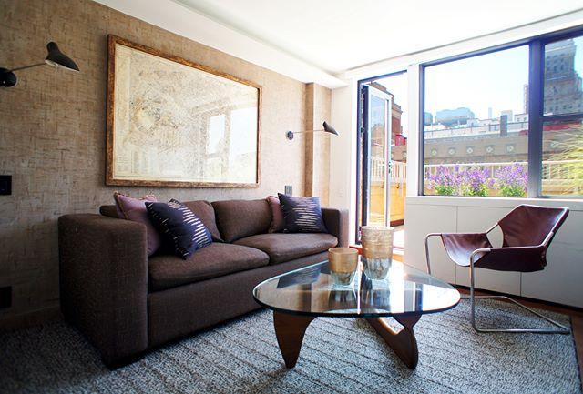 den by #dineenarchitecture . . . . . . . . . #interiorsinspo #worldofinteriors #interiorsofinstagram #contemporaryinteriors #interiors4all #interiors123 #instainteriors #decorinspiration #myhousebeautiful #interiortrends #newyork #interiorstyle #houseandhome #adstyle #designinspiration #designoftheday #homerenovation #interiorlovers  #designlovers #interiordesignideas #designdaily #homeenvy #homegoals #interiordesigns #theworldofinteriors #designyourlife