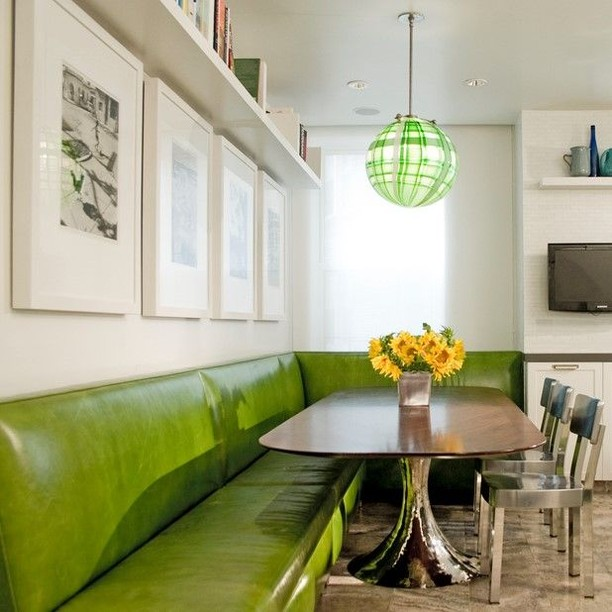 Isn't the color of the banquette delicious?! Our clients love this space we designed #dineenarchitecture . . . . . . . .  #modernbanquette #banquette #green #interiordesign #interiordecor  #interiorsinspo #worldofinteriors #interiorsofinstagram #contemporaryinteriors #interiors4all #interiors123 #instainteriors #decorinspiration #myhousebeautiful #interiortrends #newyork #interiorstyle #houseandhome #adstyle #designinspiration #designoftheday  #interiorlovers  #designlovers #interiordesignideas #designdaily #homeenvy #homegoals #interiordesigns #designideas
