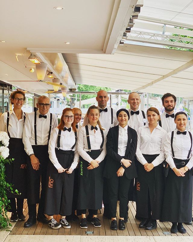 Our Service Team is at work to make sure your your meals @restaurant.fino and your holiday 2019 are better than ever! 🖤 • • • #bookyourtablesnow #breakfast #lunch #dinner #precious #time #togetherness #amazing #service #team #friends #family #table #restaurant #lifestyle #lifeinthecity #hotel #meran #merano @love_merano