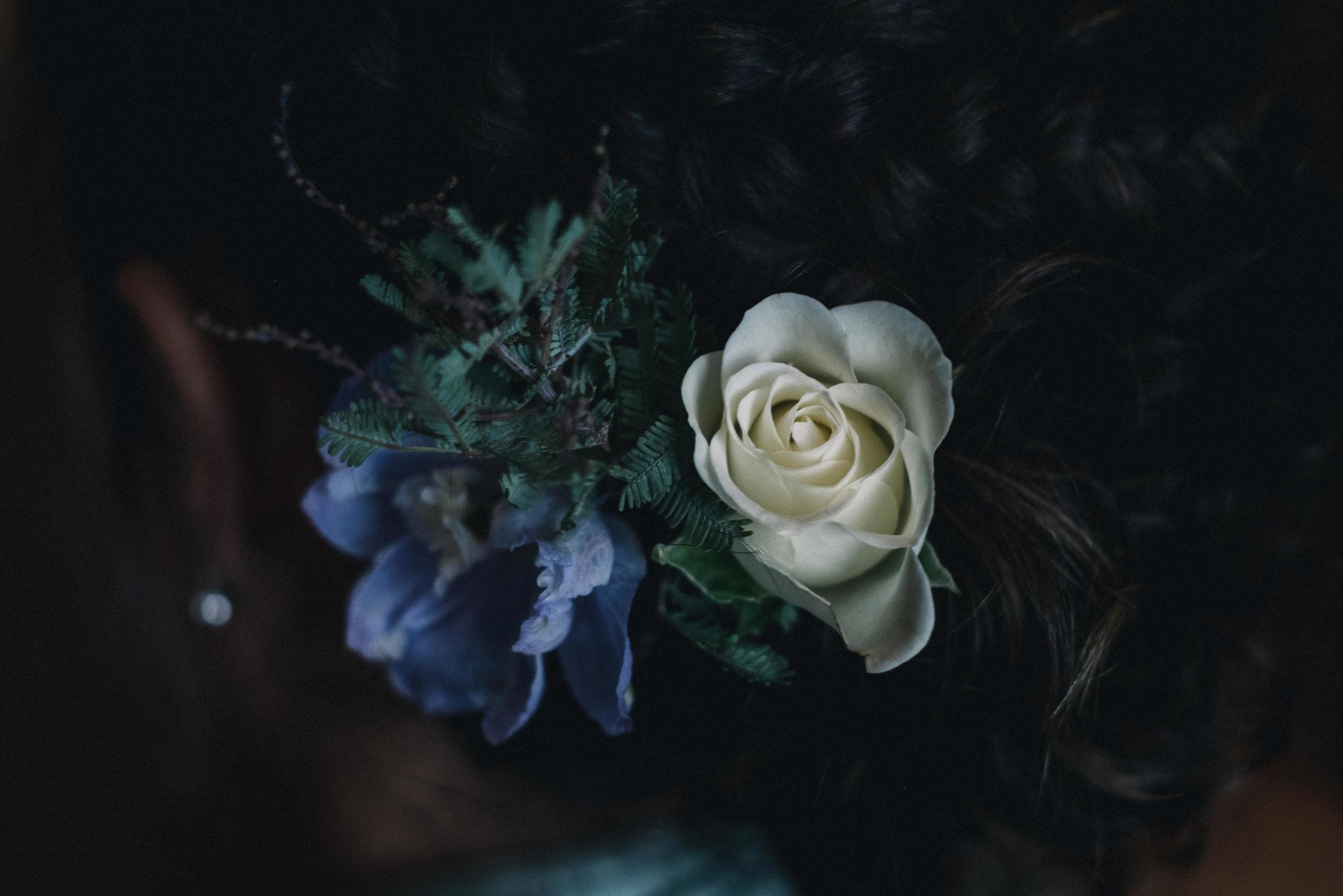 Flowers headpiece in bridesmaid's hair