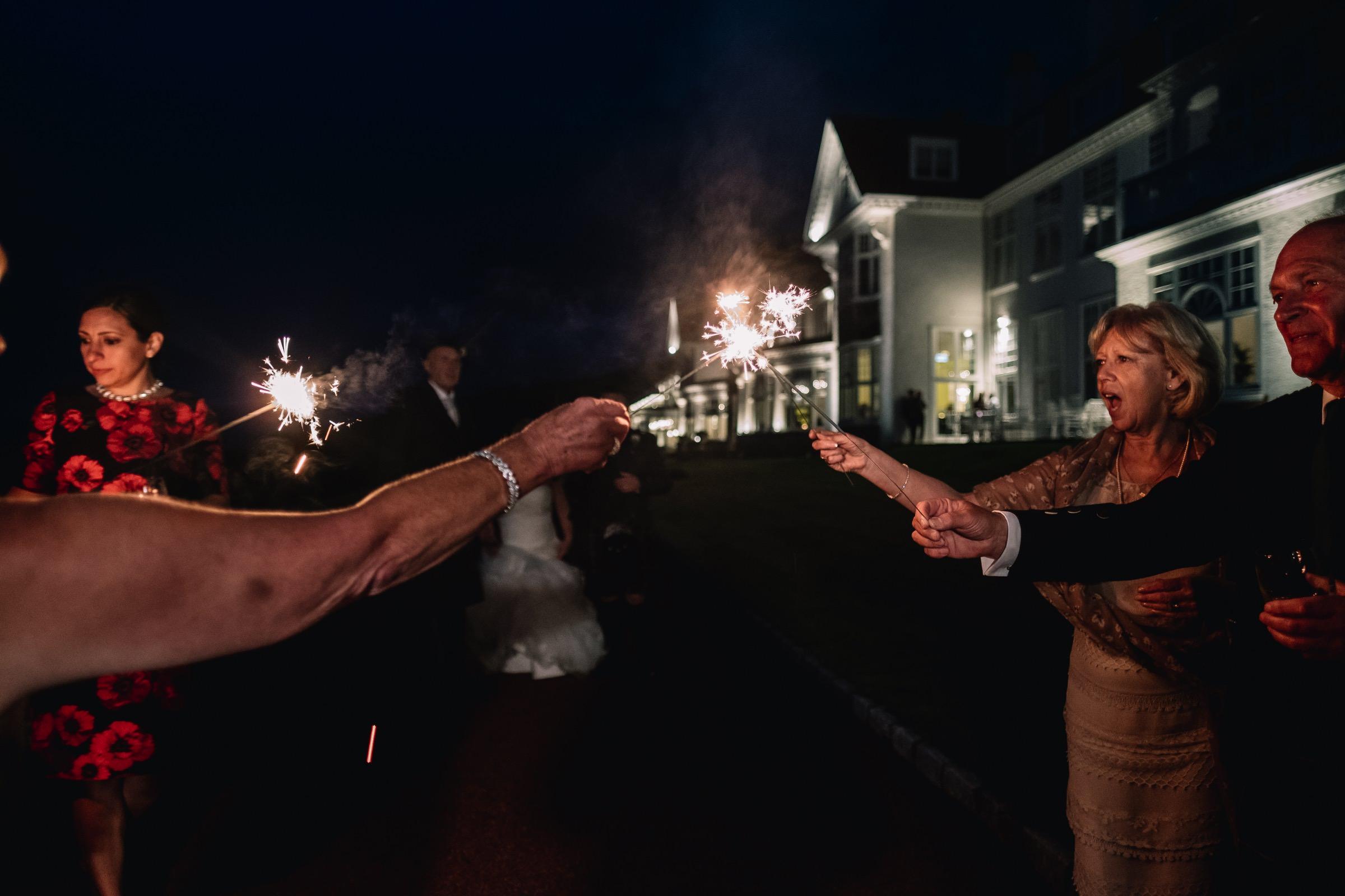 Lighting sparklers
