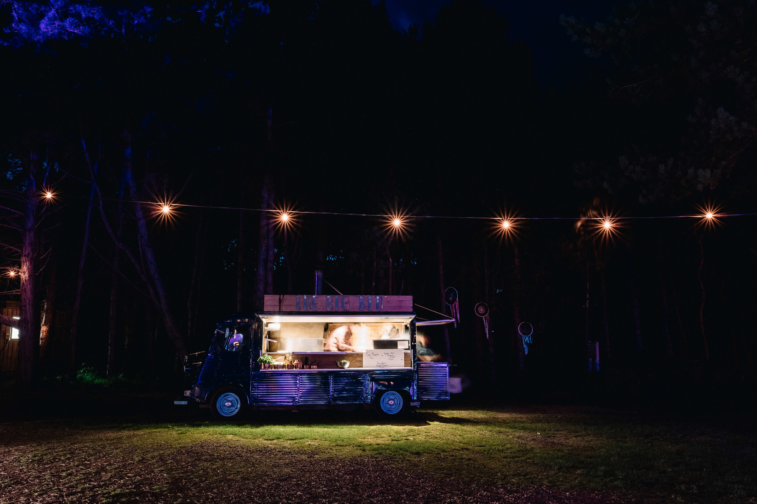 063-Ravensheugh-Log-Cabin-Wedding-pizza-van.jpg