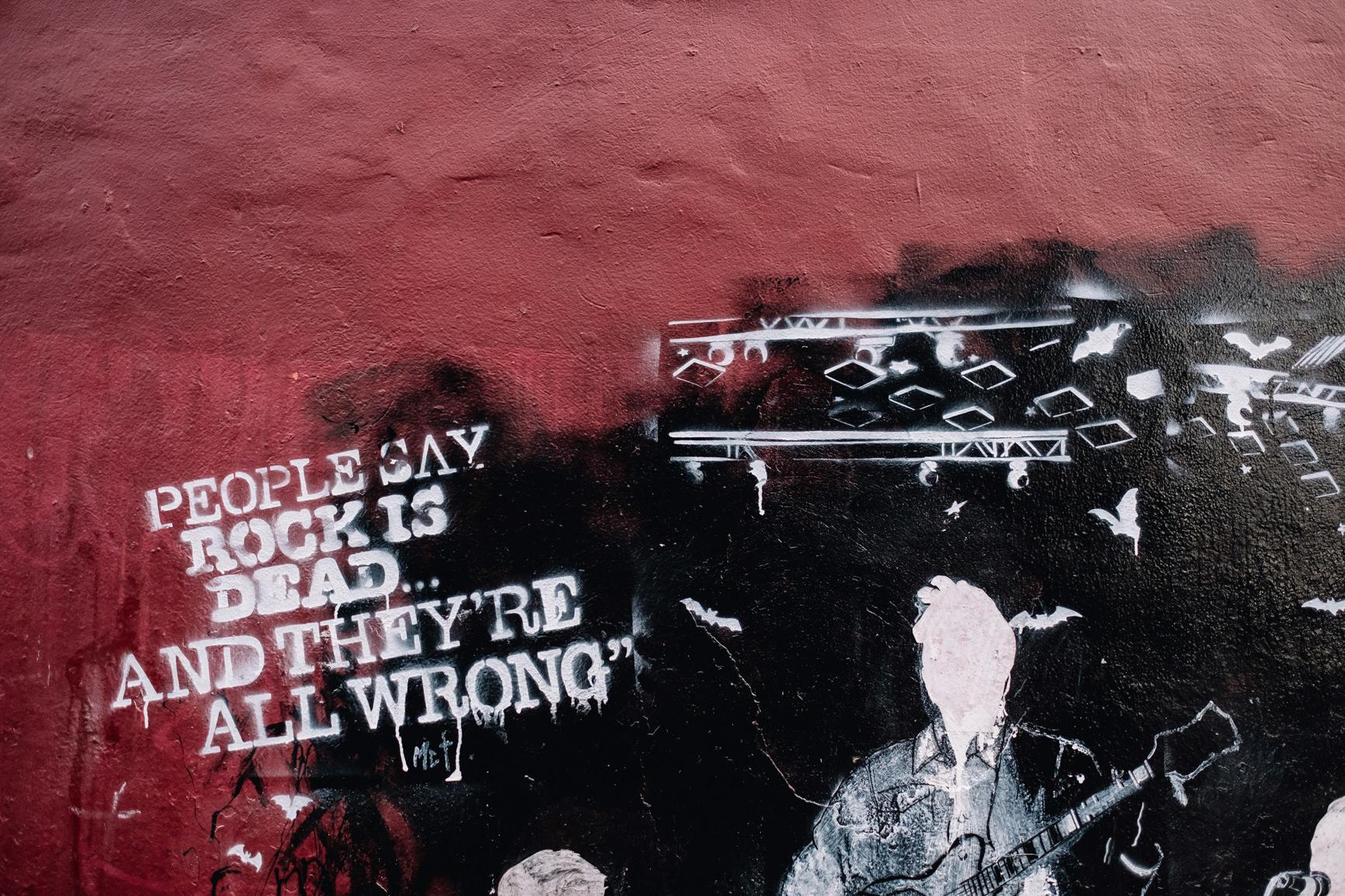 12-BAaD-Glasgow-grafitti-wall.jpg