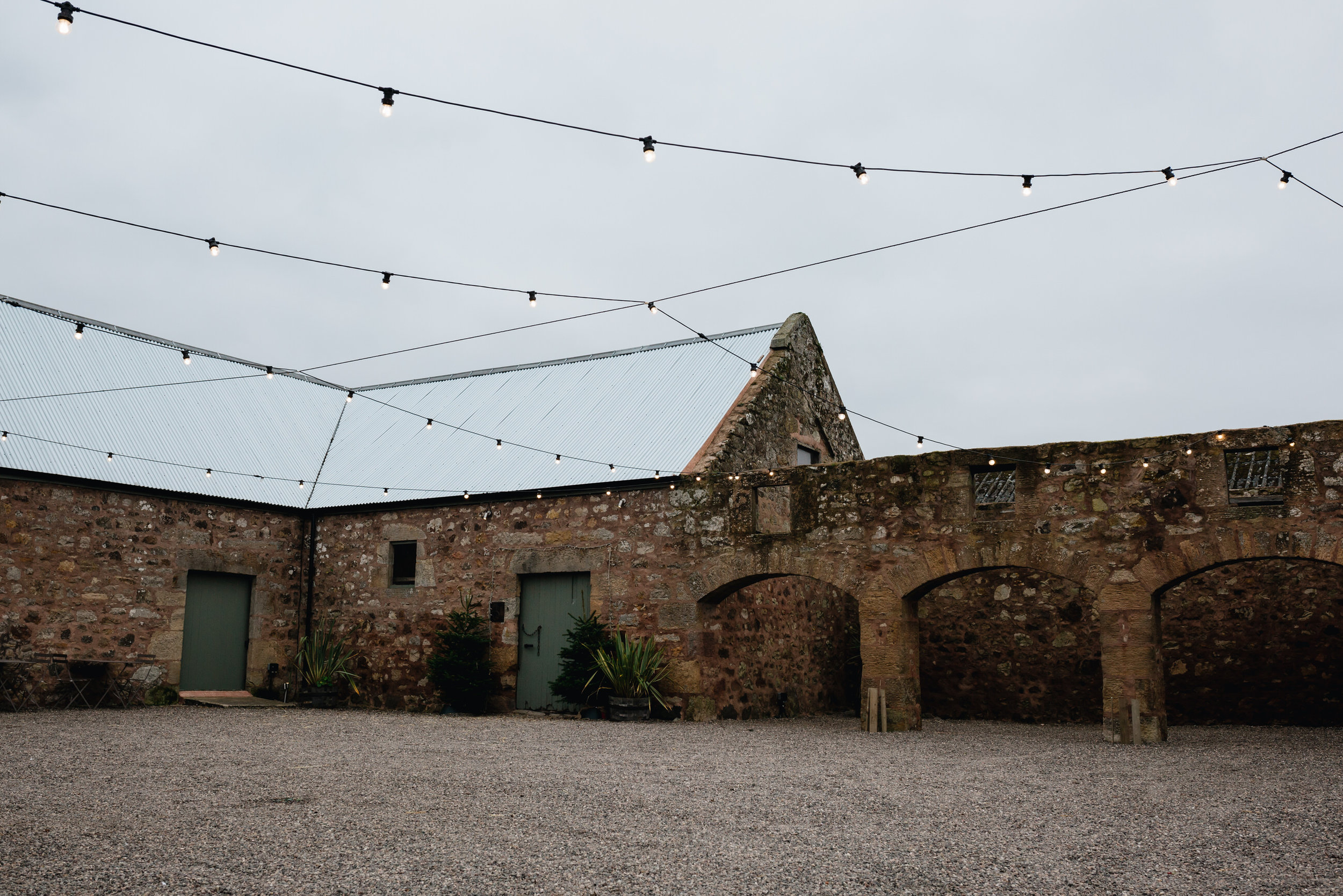 006-diy-barn-wedding-scotland.JPG