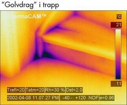 Luftlekkasje ved trapp oppdages lett med termografering