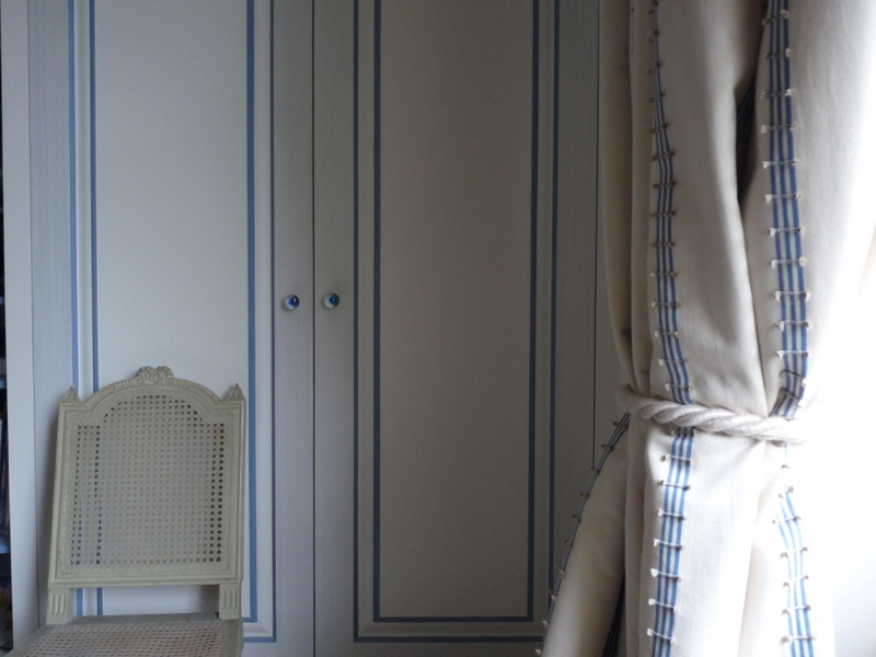 colour match paint to furnishing fabrics