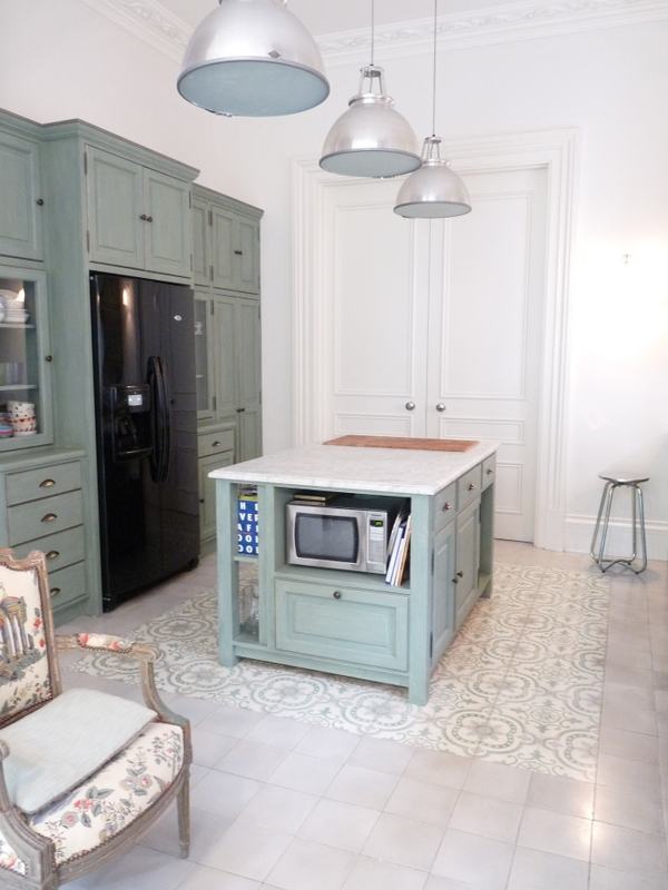 large family kitchen with specialist paint finishes and colour consultation by HK Art