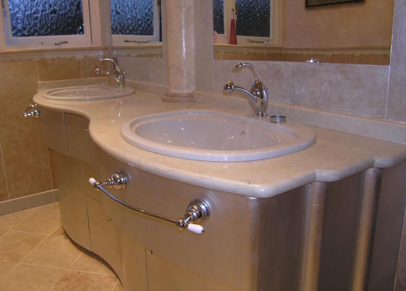 Aluminium metal leaf and varnished Art Deco style bathroom furniture