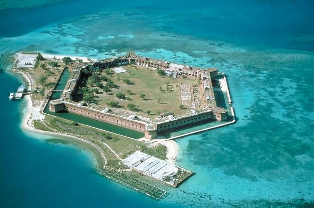 Fort-Jefferson_Dry-Tortugas.jpg