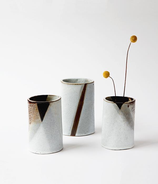 Romy_Northover_-_Mountain_Bolt_Vases_1.jpg