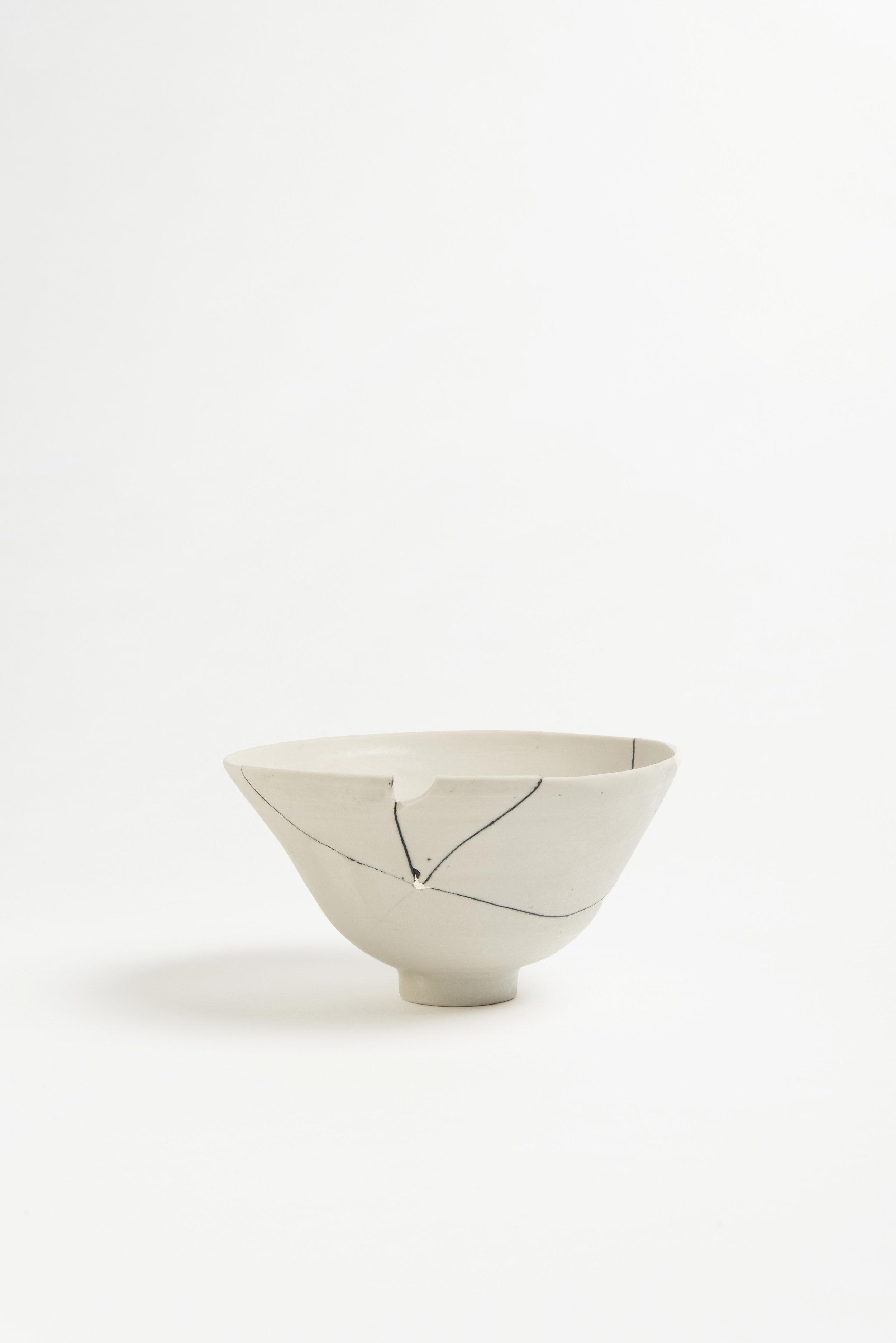 white-fracture-series-bowl-romy-northover-ceramics-the-garnered-02.jpg