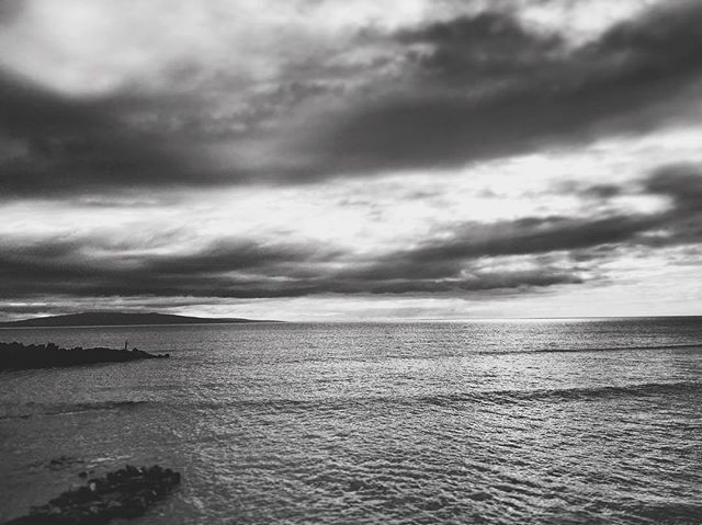 Cove Park, south Kihei 🐠 #maui #maalaea #hawaii #kihei #kalama #beach #kamaole #keawakupu #wailea #monochrome #fishing #surf #travel #island #usa