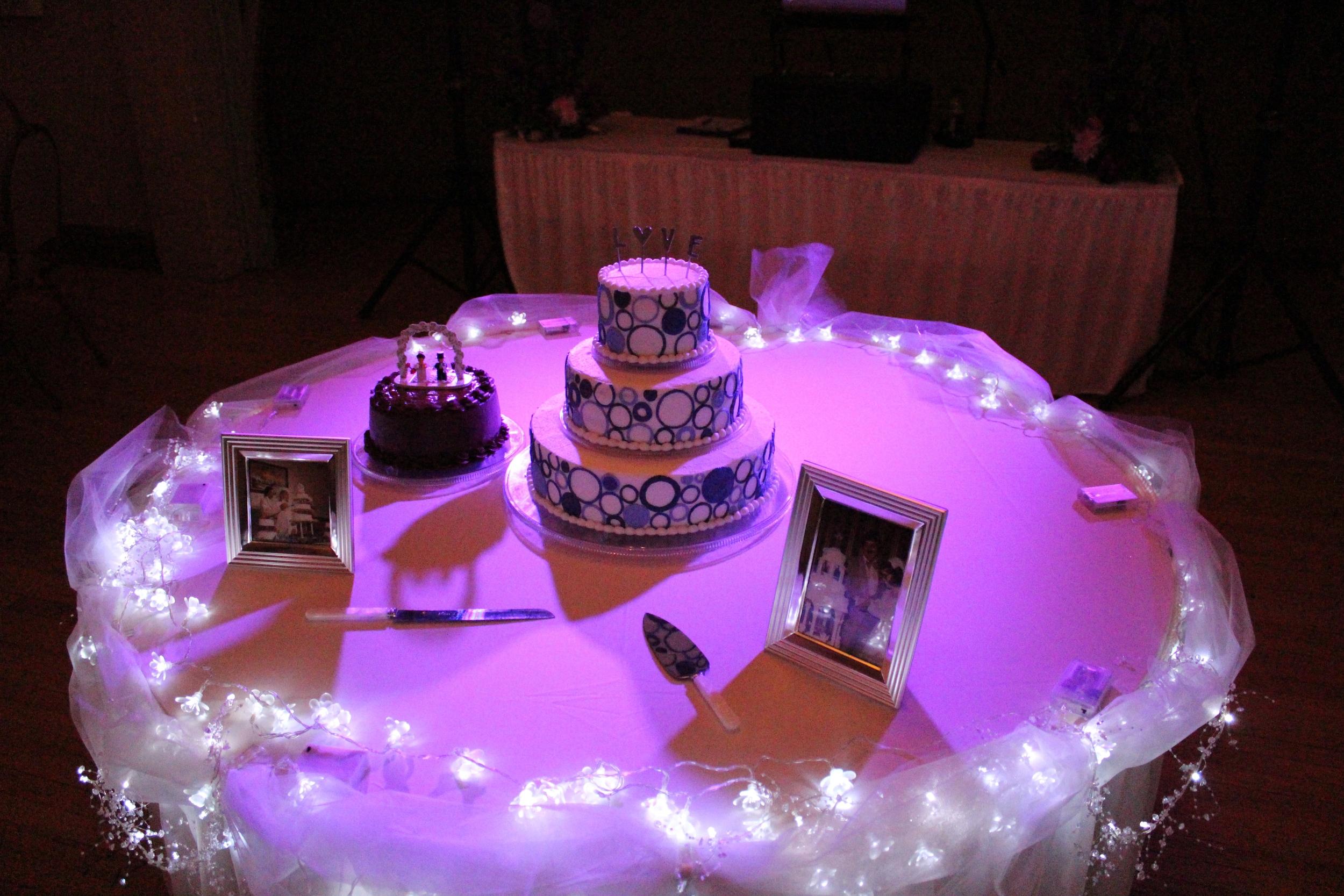 light purple down lighting on cake