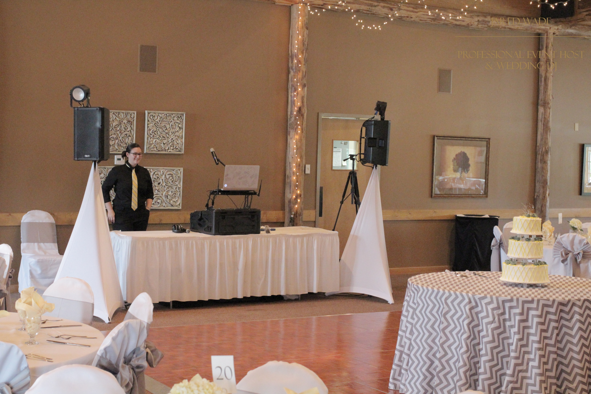 Jared Wade Professional Event Host | Indianapolis Wedding DJ | Purgatory Golf Club | Rustic Elegant Wedding | Dance Party
